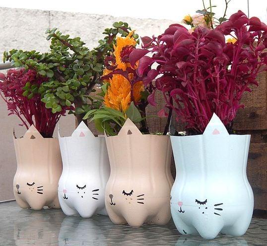 Maceta decorada con botellas de plastico; Ideas para crear tus propias macetas