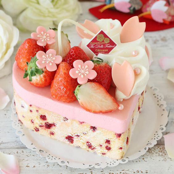 pastel de crema con fresas; Panecillos suavecitos que te derretirán el paladar