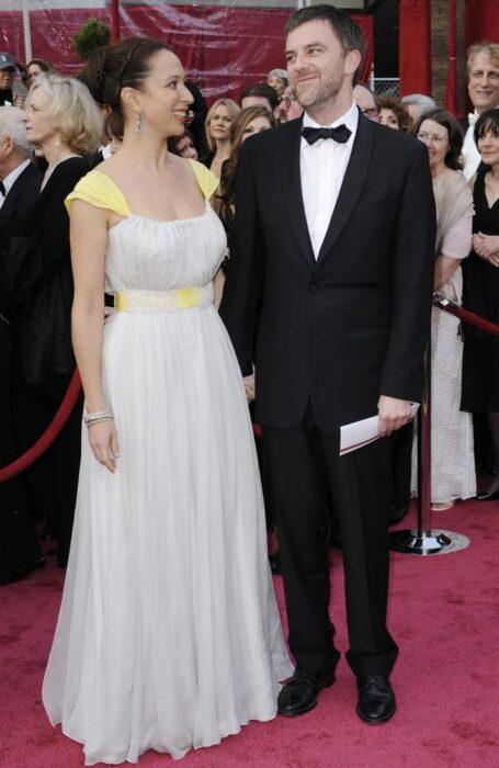 Maya Rudolph y Paul Thomas Anderson juntos en una entrega de premios
