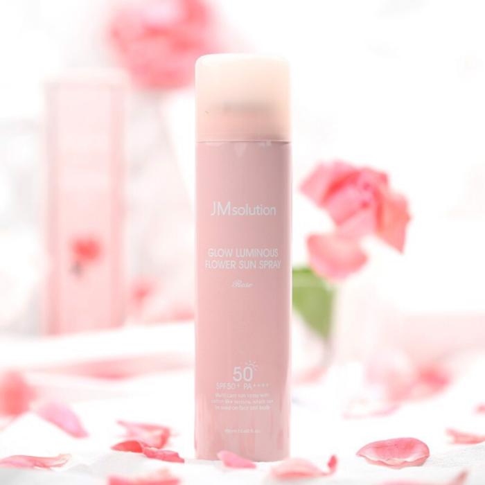 Hidratante facial a base de rosas; Productos asiáticos que deberías sumar a tu rutina de belleza