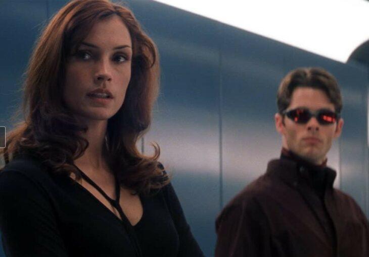 Escena de Xmen en la que están Jane y Scott dentro de un elevador