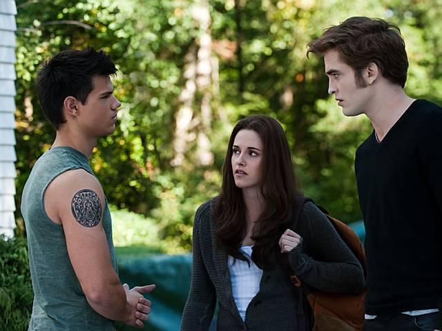 Escena de Crepusculo en la que están bella, Edward y Jacob