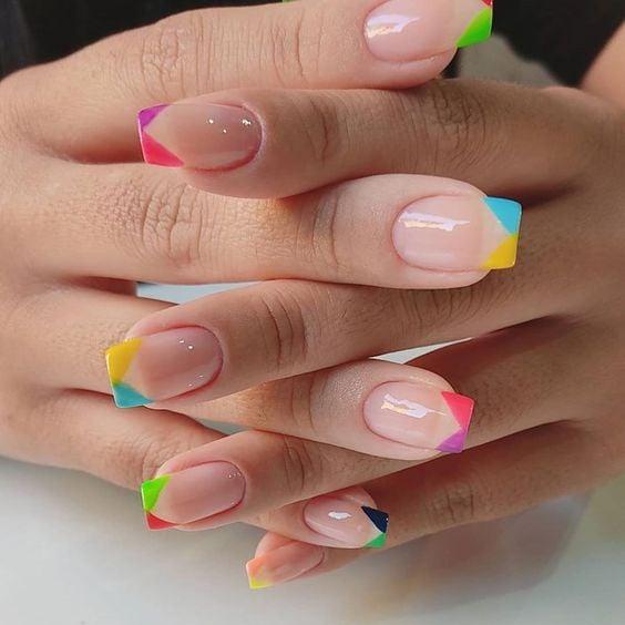 manicura de estilo francés doble tono ;13 Lindas ideas para llenar tus uñas de colores