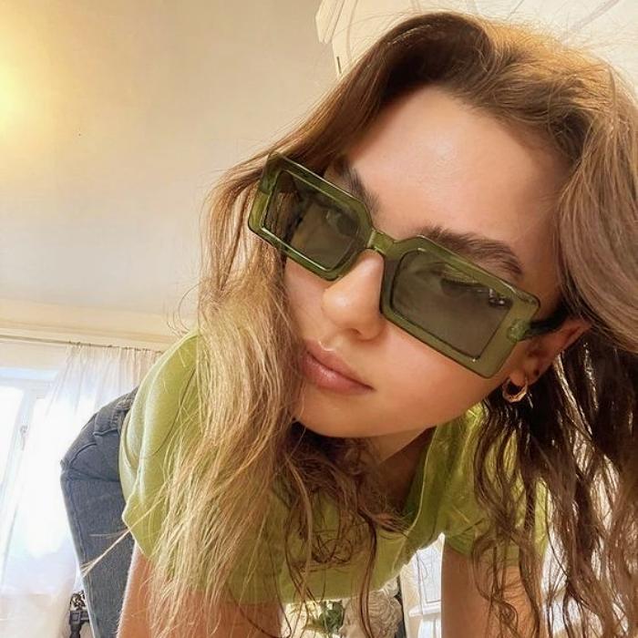 lentes de sol, gafas de sol, lentes oscuros de diseño original cuadrados, rectangulares, amarillos, rosas, azules, celestes, blancos, redondos, oversized