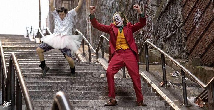 Ace ventura bailando junto a El Joker