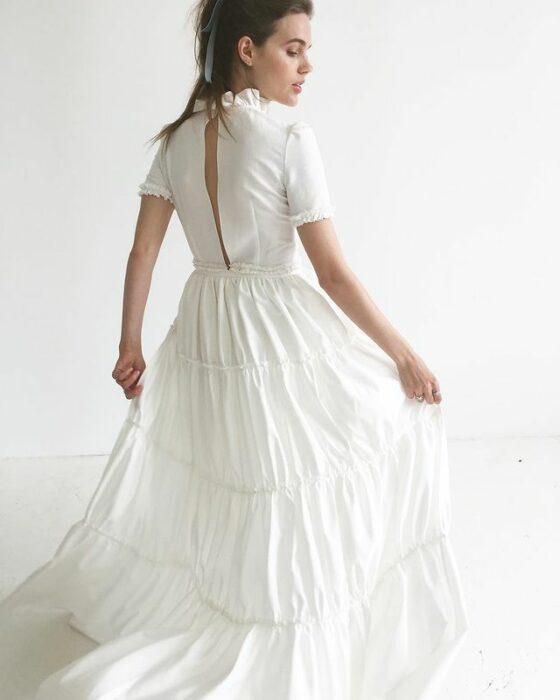 chcia llevando vestido de novia estilo manta; 15 Vestidos de novia sencillos y bonitos que te harán decir 'Si, acepto'