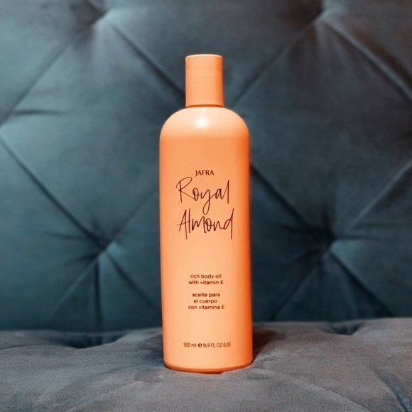 Royal Almond ;10 Aceites corporales para consentir cada rincón de tu piel