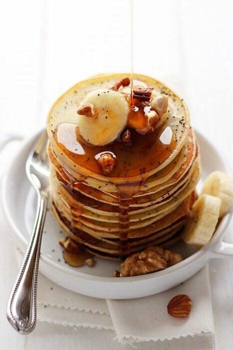panqueques de manzana ;10 Desayunos tan saludables y deliciosos que te harán agua la boca
