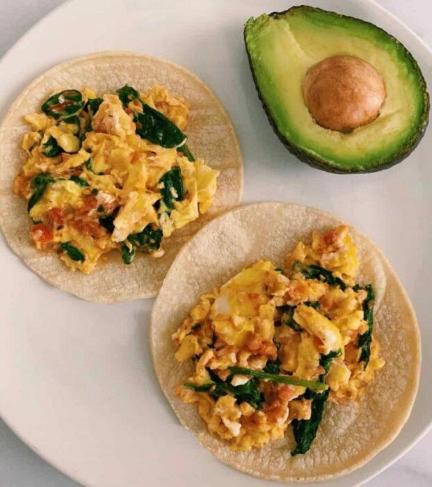 taquitos de huevo con espinacas ;10 Desayunos tan saludables y deliciosos que te harán agua la boca