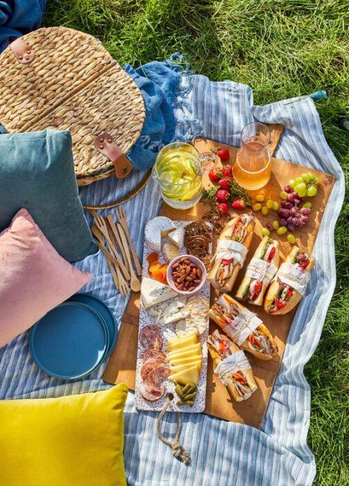 picnic improvisado ;13 Regalos chulos y originales para sorprender a mamá en su día