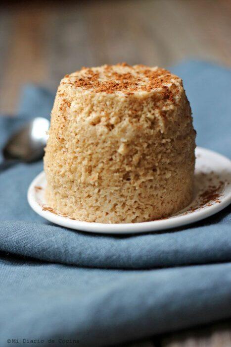 Pastelillo con avena y pasas ;13 Sencillas rectas para hacer 'mug cakes' en microondas