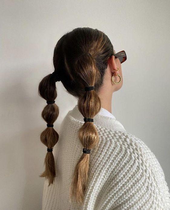 Chica con trenzas anchas de bubble o burburja;13 Trenzas estilo 'bubble' para darle un giro a tu clásico peinado