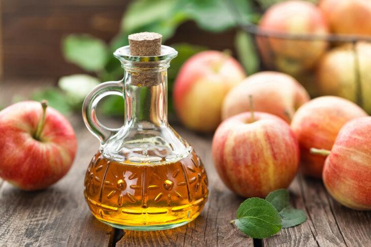 vinagre de manzana; 6 Ideas para hacer tu propio champú seco en casa