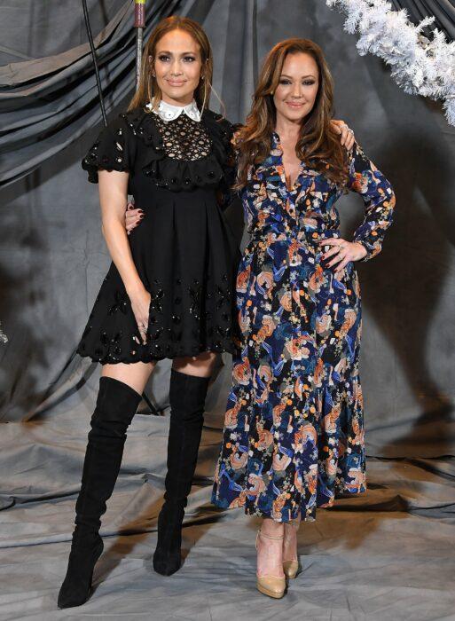Leah Remini y Jennifer Lopez ;16 Famosos que no sabías están relacionados entre sí