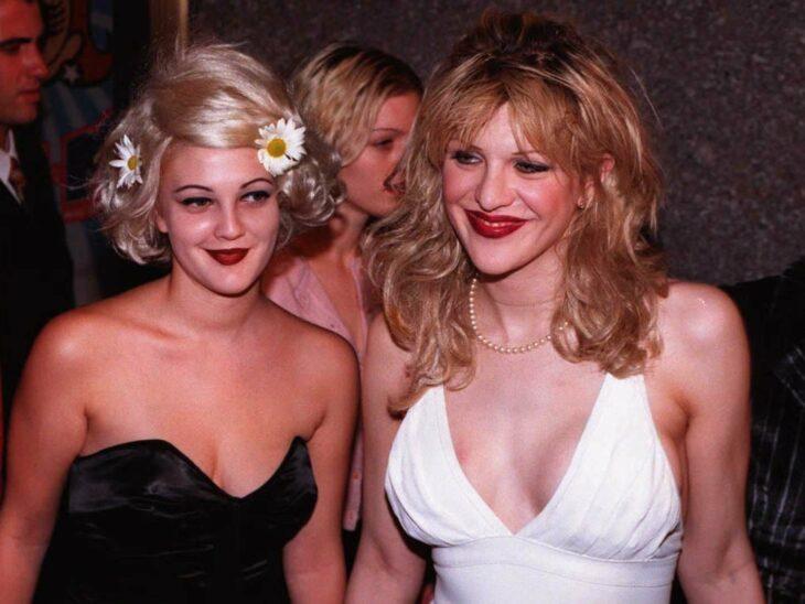 Drew Barrymore y Courtney Love ;16 Famosos que no sabías están relacionados entre sí