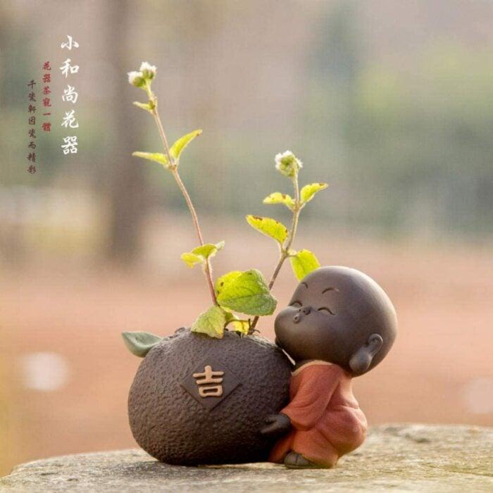 Maceta miniatura en forma de buda ;14 Macetas aesthetic para que tus plantas se ven bien chulas