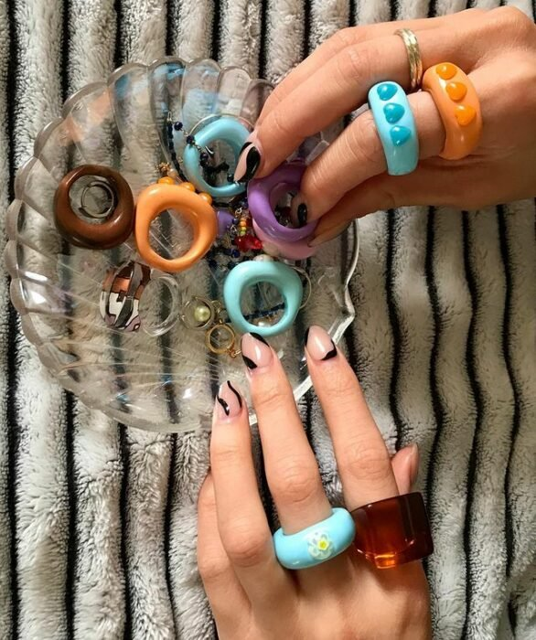 acrylic rings with 3D hearts; 17 'chunky' rings you should give a try