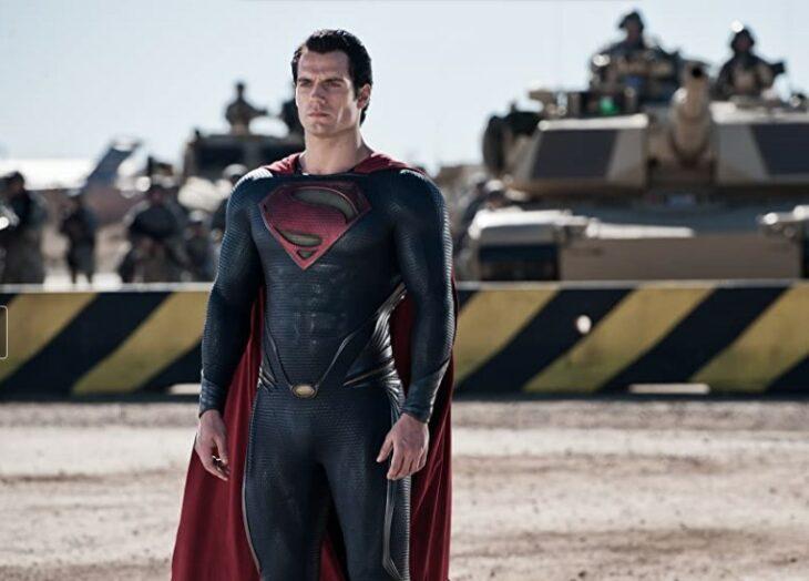 Henry Cavill protagonizando la películaBatman v Superman: Dawn of Justice de 2016