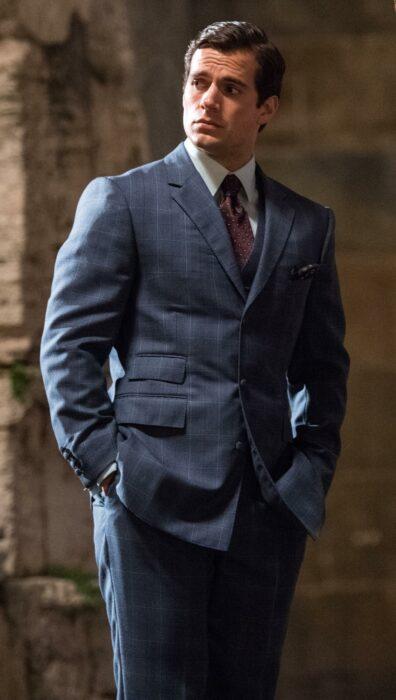 Henry Cavill protagonizando la película The Man from U.N.C.L.E de 2015