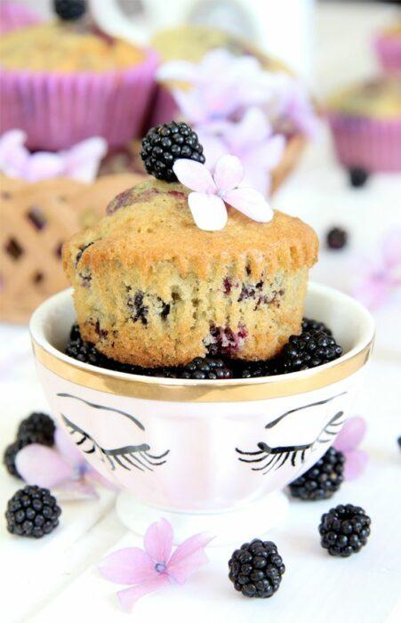 Muffin con moras ;18 Hermosos pasteles de moras que querrás presumir en Instagram