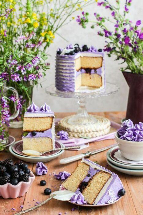Pastel de cumpleaños ;18 Hermosos pasteles de moras que querrás presumir en Instagram