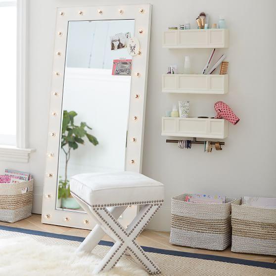 tocador a un lado de espejo; 15 Lindas ideas de estaciones de maquillaje para espacios chiquitos