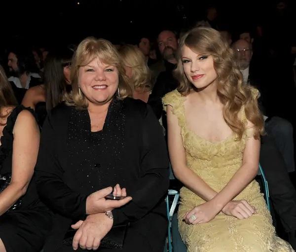 Andrea Swift y Taylor Swift; 13 Madres e hijas famosas que están enamorando a Hollywood