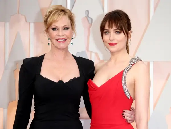 Melanie Griffith y Dakota Johnson; 13 Madres e hijas famosas que están enamorando a Hollywood