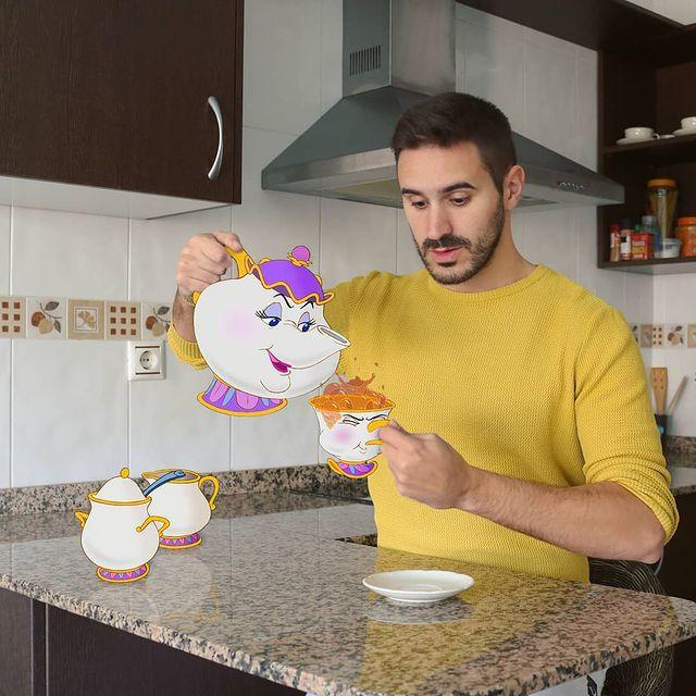 Vajilla de La bella y la bestia edición de Samuel MB ;Maestro convierte a personajes Disney en sus roomies y se vuelve viral
