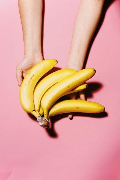 Banana; Masks with cornstarch for hair