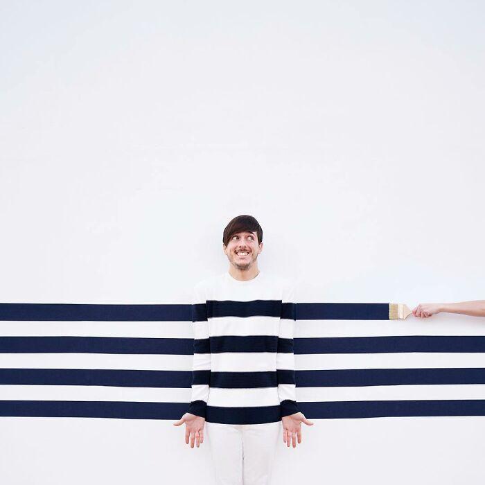 chico simulando siendo rayado ;Pareja hace sesión de fotos minimalistas sin usar photoshop
