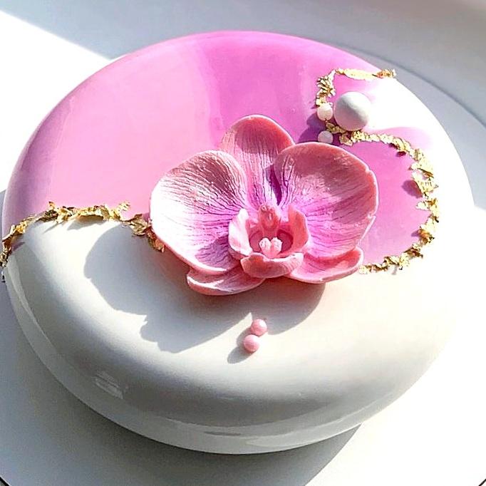 pastel con rosas de fondant ;17 Hermosos pasteles glaseados que te conquistarán a primera vista
