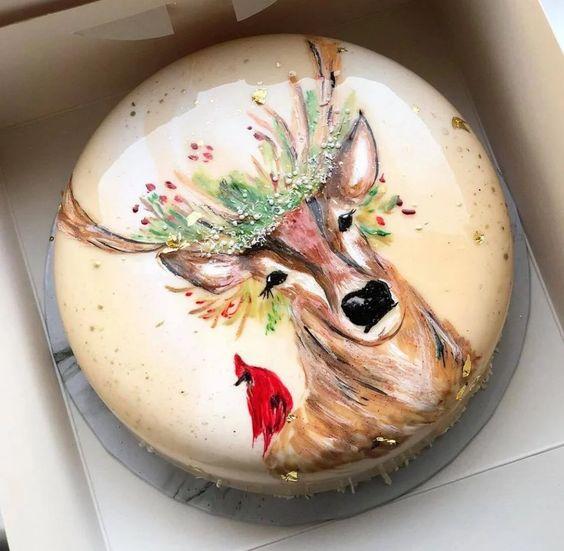 pastel de vainilla decorado con estampado de venado ;17 Hermosos pasteles glaseados que te conquistarán a primera vista