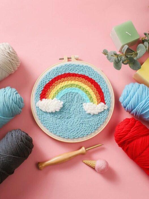 kit parta tejer en forma de arcoíris ;13 Coloridos regalos para las chicas que aman los arcoíris