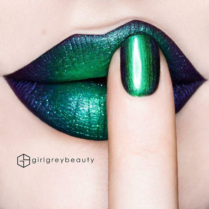 Labios en tonos verdes, Creación de Andrea Reed; Artista crea hermosas obras de arte sobre sus labios