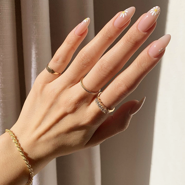 nude color nails with white, black, minimalist design, easy, chic, elegant with green, black, pink, beige and pastel colors