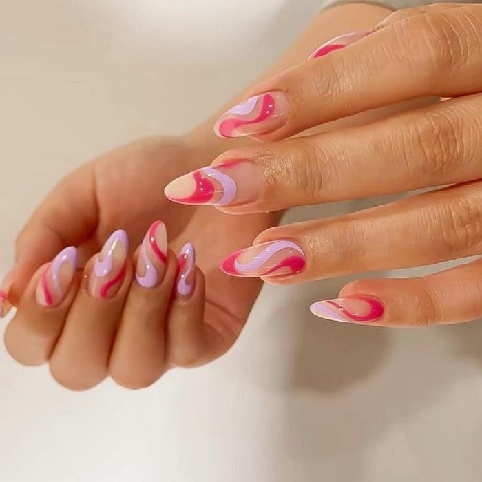 uñas, manicura, uñas postizas con diseño estilo efecto retro, psicodélico, hippie en color rosa, café, beige, nude, azul celeste, amarillo, tonos pastel