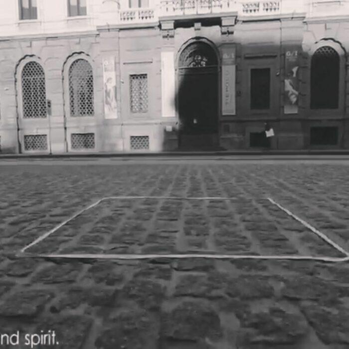 Comentarios en twitter sobre la escultura invisible de Salvatore Garau