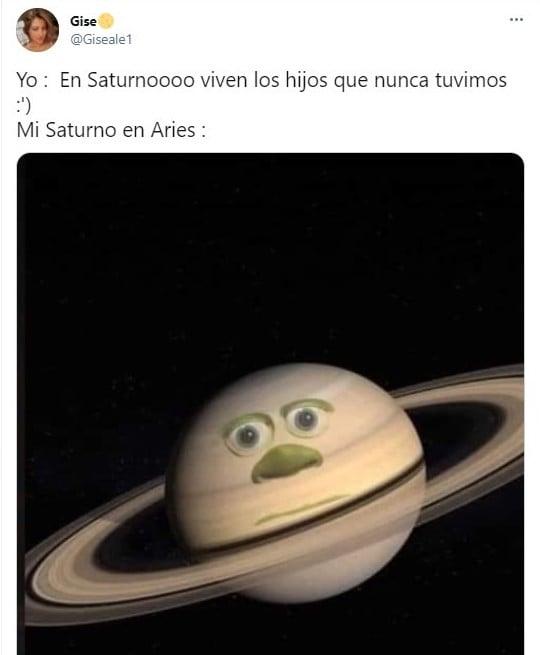 Meme con un planeta ;Así nació el meme de 'En Saturno viven los hijos que nunca tuvimos'