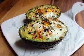 Aguacate caliente con huevo