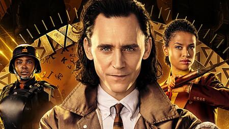Loki sonriendo en un episodio de su serie