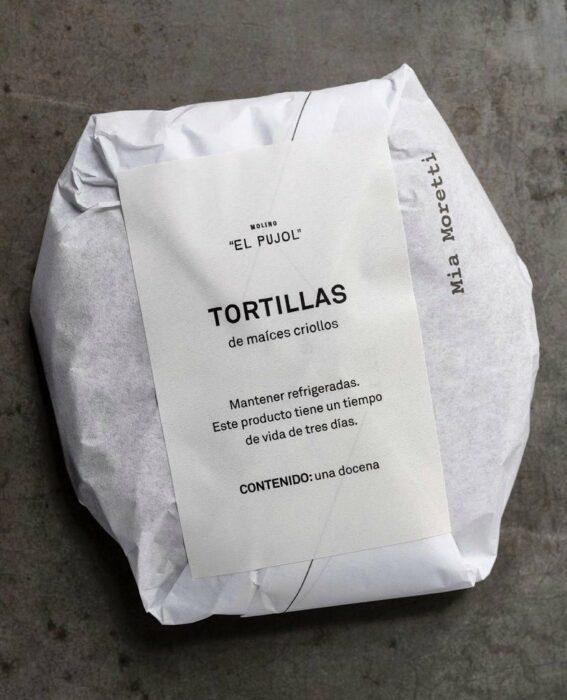 paquete de tortillas pujol con etiqueta