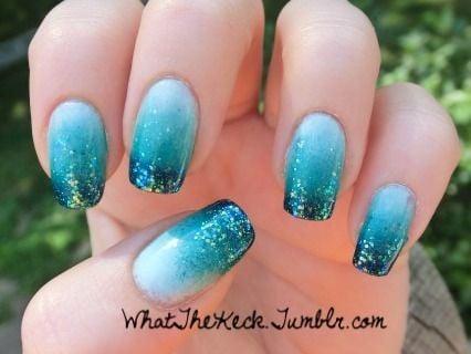 Diseños de uñas con temática de playa para las vacaciones