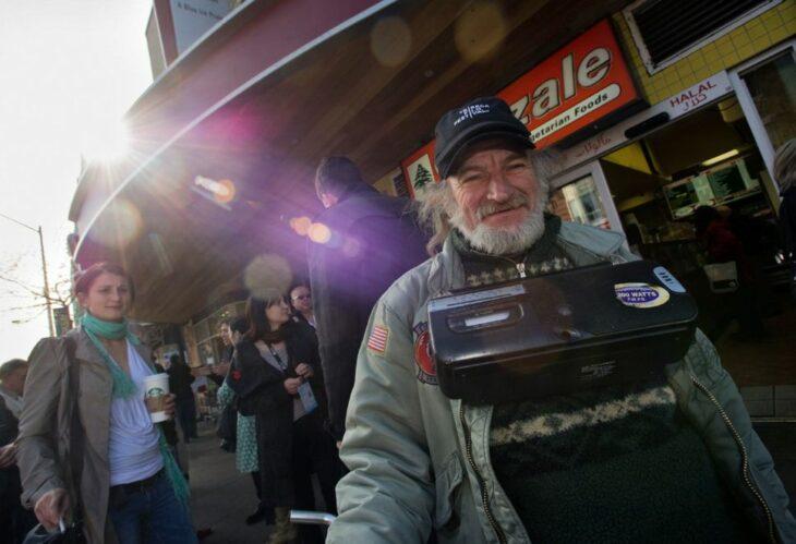 Radioman, hombre que ha aparecido en más de 100 películas en hollywood