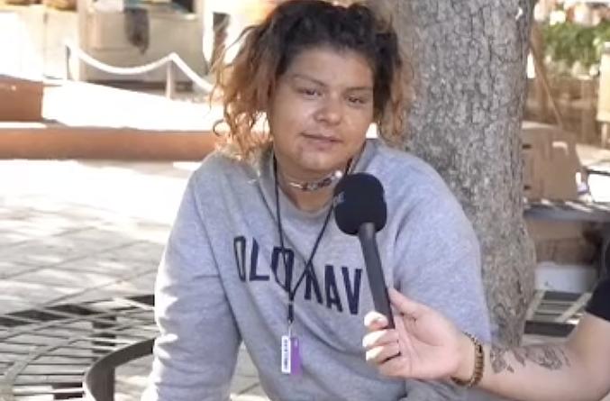 Chica en tiktok siendo entrevistada