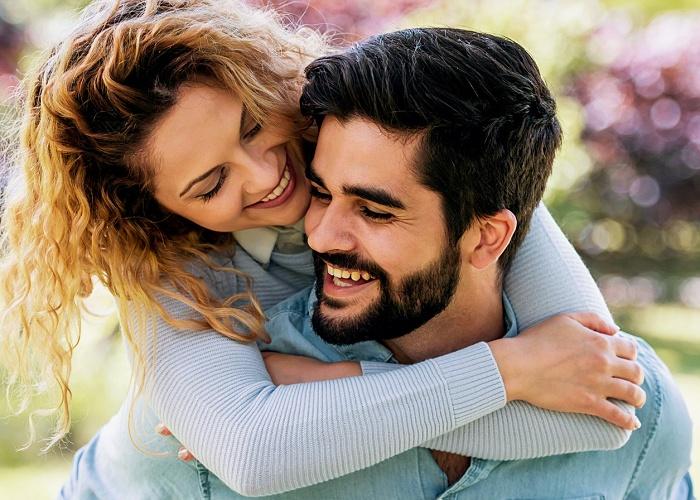 Pareja de matrimonio, pareja de esposos enamorados