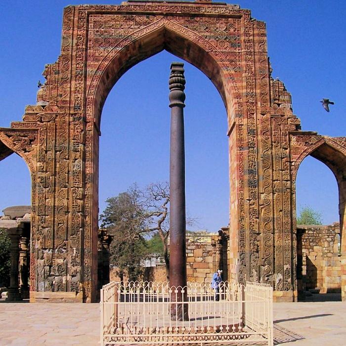 El pilar de hierro en Delhi