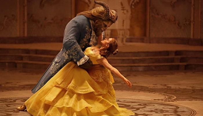 Bella y el príncipe Adam en La Bella y la Bestia