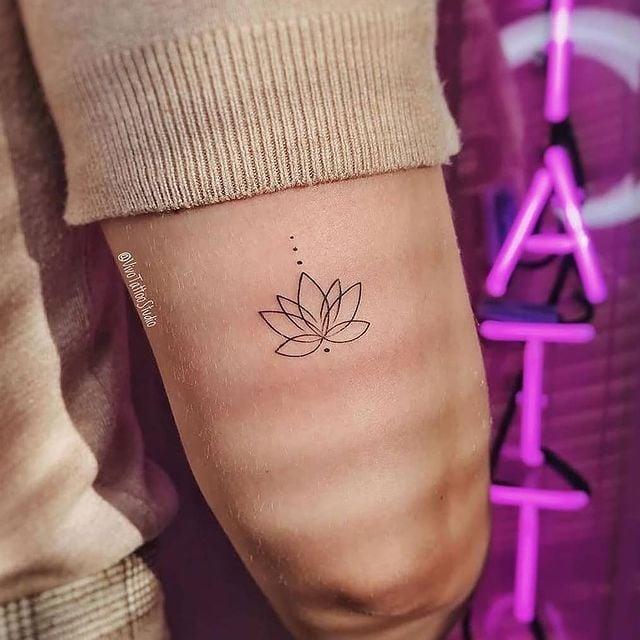 Flor de loto;13 Tatuajes minimalistas a los que no te podrás resistir