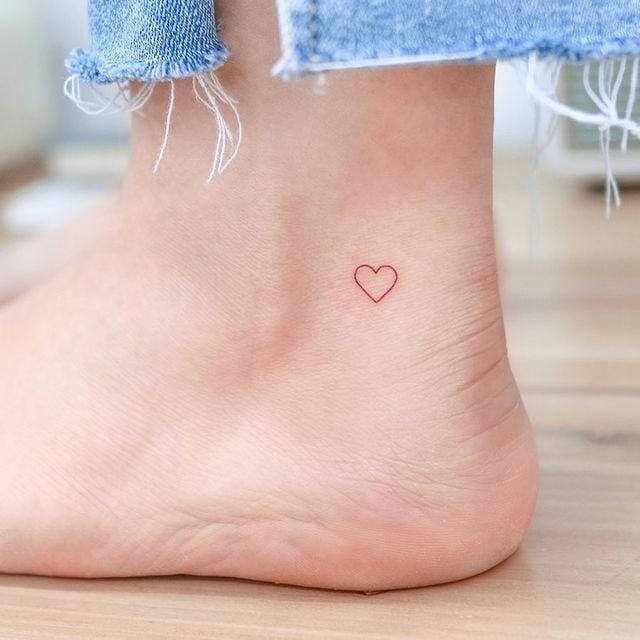 Corazón pequeño ;13 Tatuajes minimalistas a los que no te podrás resistir